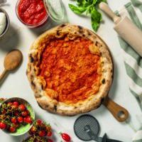 Scopri la base per pizza Vesuvio. Pizza precotta a base rossa con bordo alto, per una pizza come in pizzeria.
